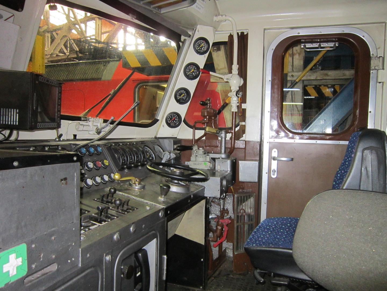 Führerstand von der Baureihe 110