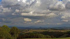 Für mich tolle Himmelsszenarien mit dem Westwind gestern Nachmittag...