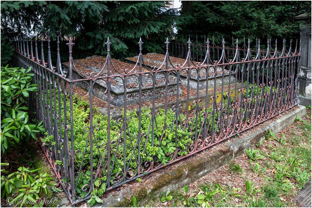 Fürstengrab, alter städtischer Friedhof
