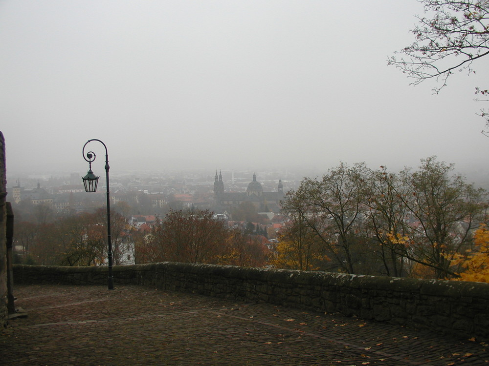Fulda im herbstlichen Nebel