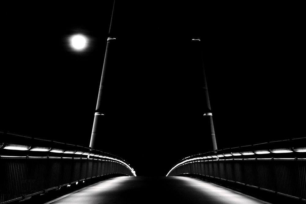 full-moon-bridge