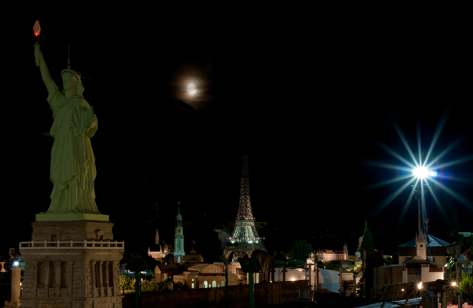 full moon - whole world