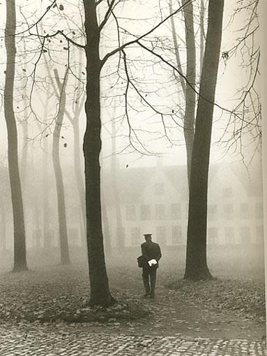 Fulvio Roiter - Bruges, il postino