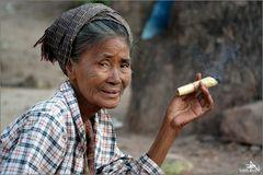 Fumant un cheroot