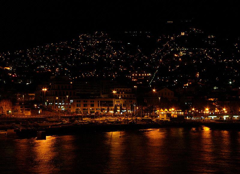 Funchal bei Nacht