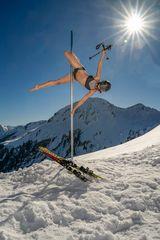 "funny ""winter pole dance"" ..."