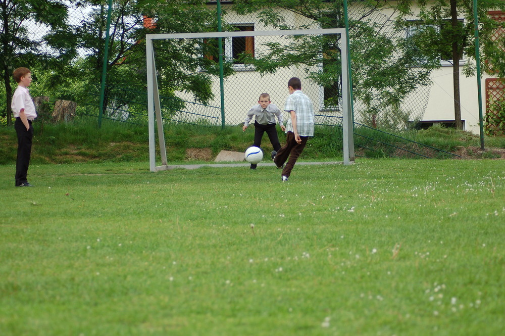 "Fussball im ""Anzug"""