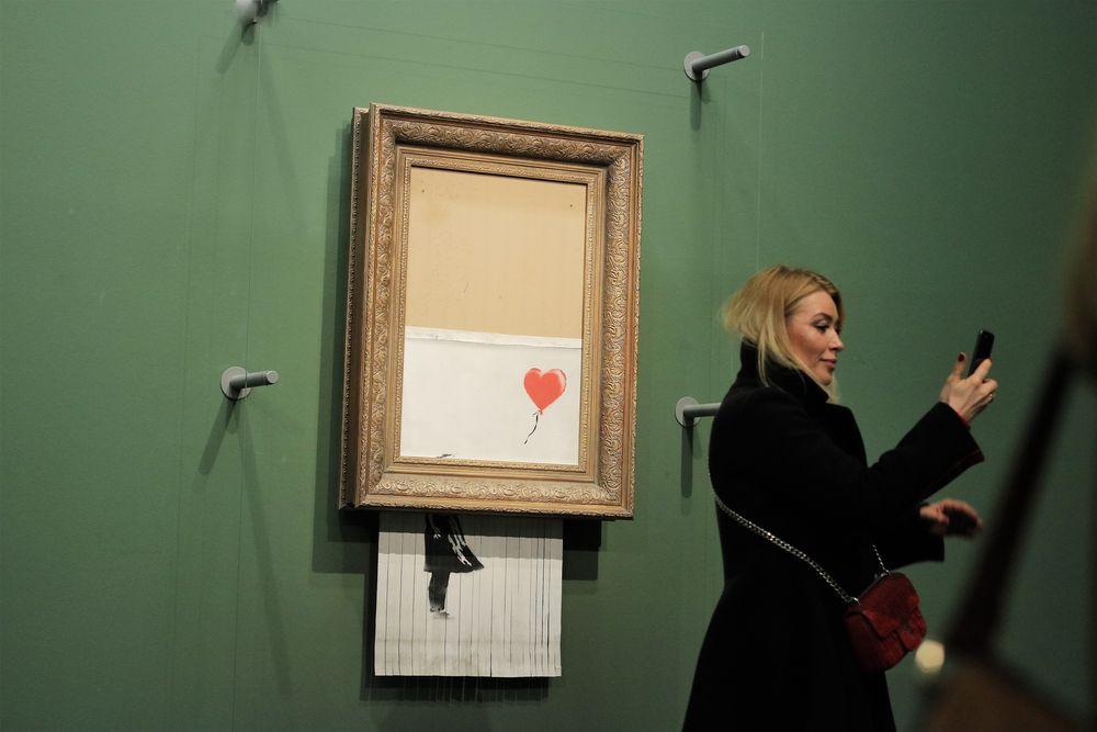 Galerie Frau Selfi Herz Ca-19-col +nun 6Fotos