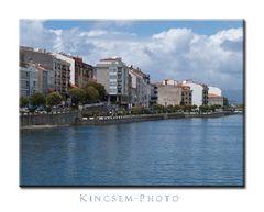 Galizien, Blick auf die Hafenmauer von O Grove