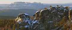 Gamrig mit der Festung Königstein dahinter und eine Entschuldigung