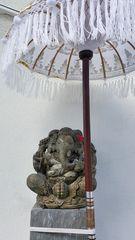 Ganesha mit Schirm