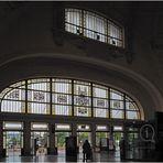 Gare de Limoges-Bénédictins  -- les vitraux de l'entrée principale