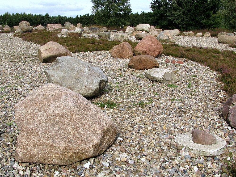 garten der steine ii foto bild landschaft garten parklandschaften diverses bilder auf. Black Bedroom Furniture Sets. Home Design Ideas