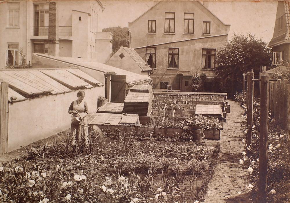 Gartenarbeit in den 30er / 40er  Jahren