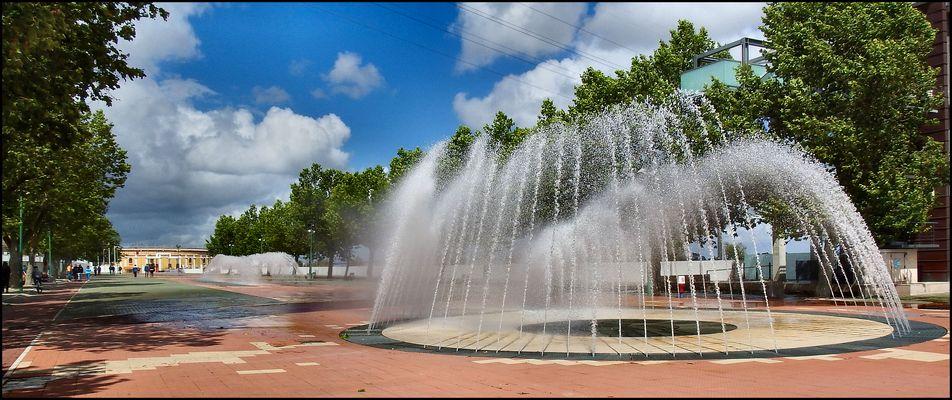 Gartenbrunnen fotos bilder auf fotocommunity - Gartenbrunnen bilder ...