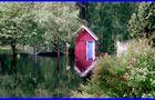 Gartenhaus in Schweden mit Bachbrücke