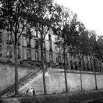 Gebäude an der Seine