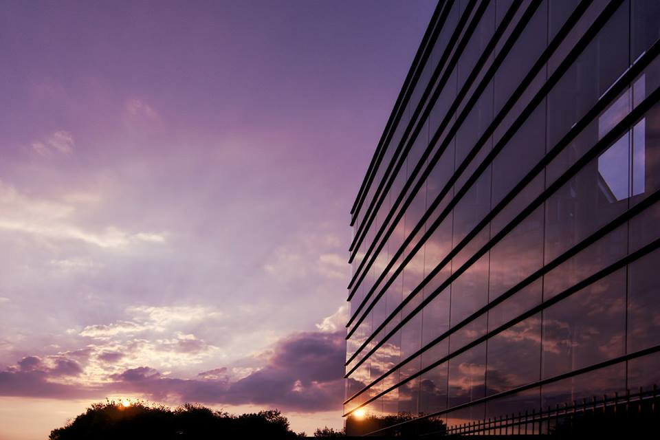 Gebäude bei Sonnenuntergang