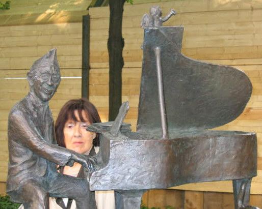 Geben´se dem Mann am Klavier ...