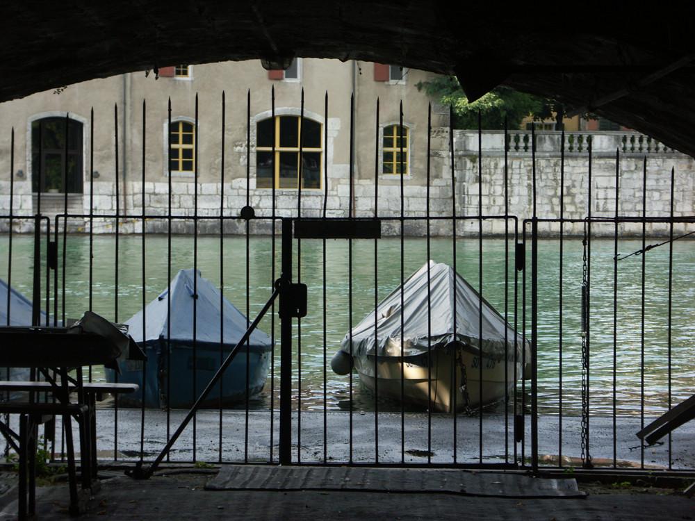 Gefangene Boote....