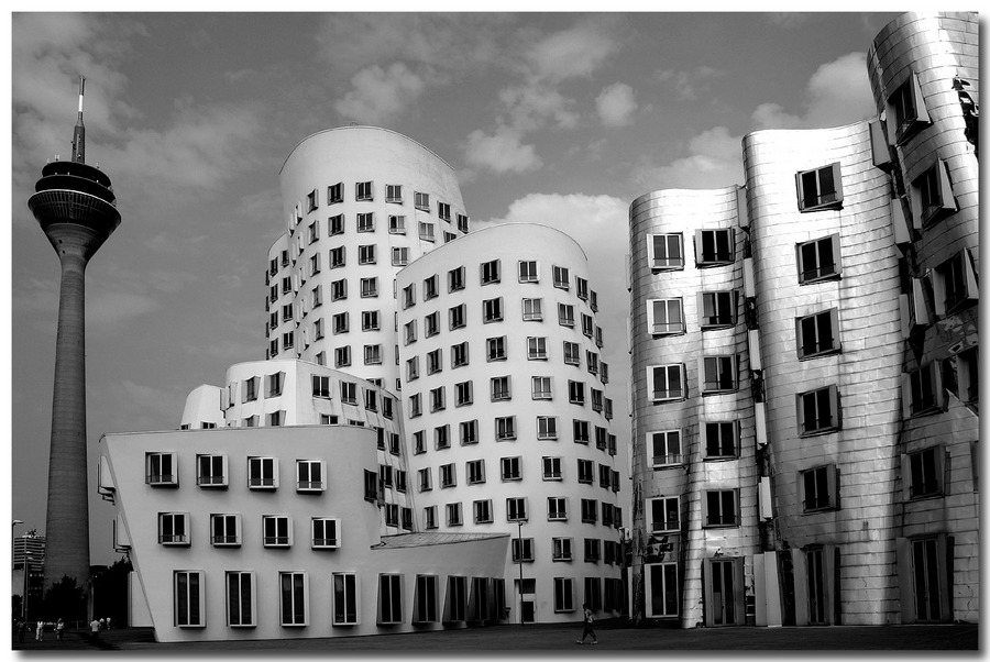 GEHRY & CO