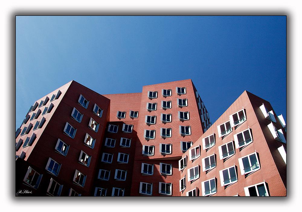 Gehry mal eckig