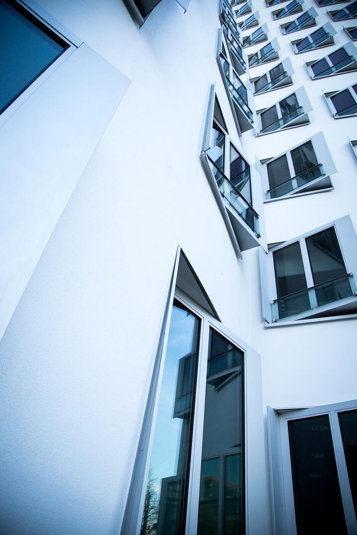 Gehry mal steil