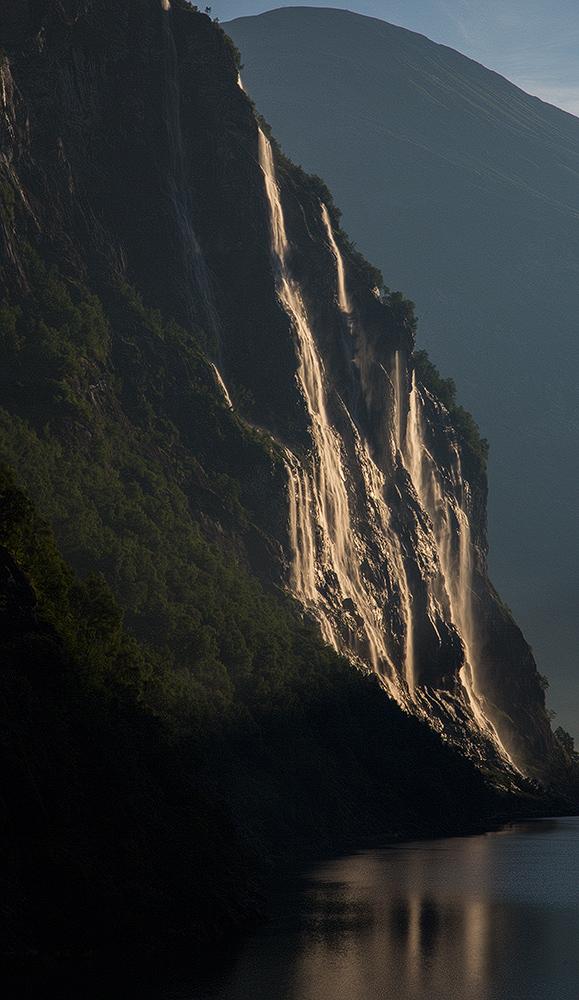 Geirangerfjord morgens zum Sonnenaufgang