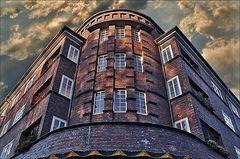 * Geisterhaus...