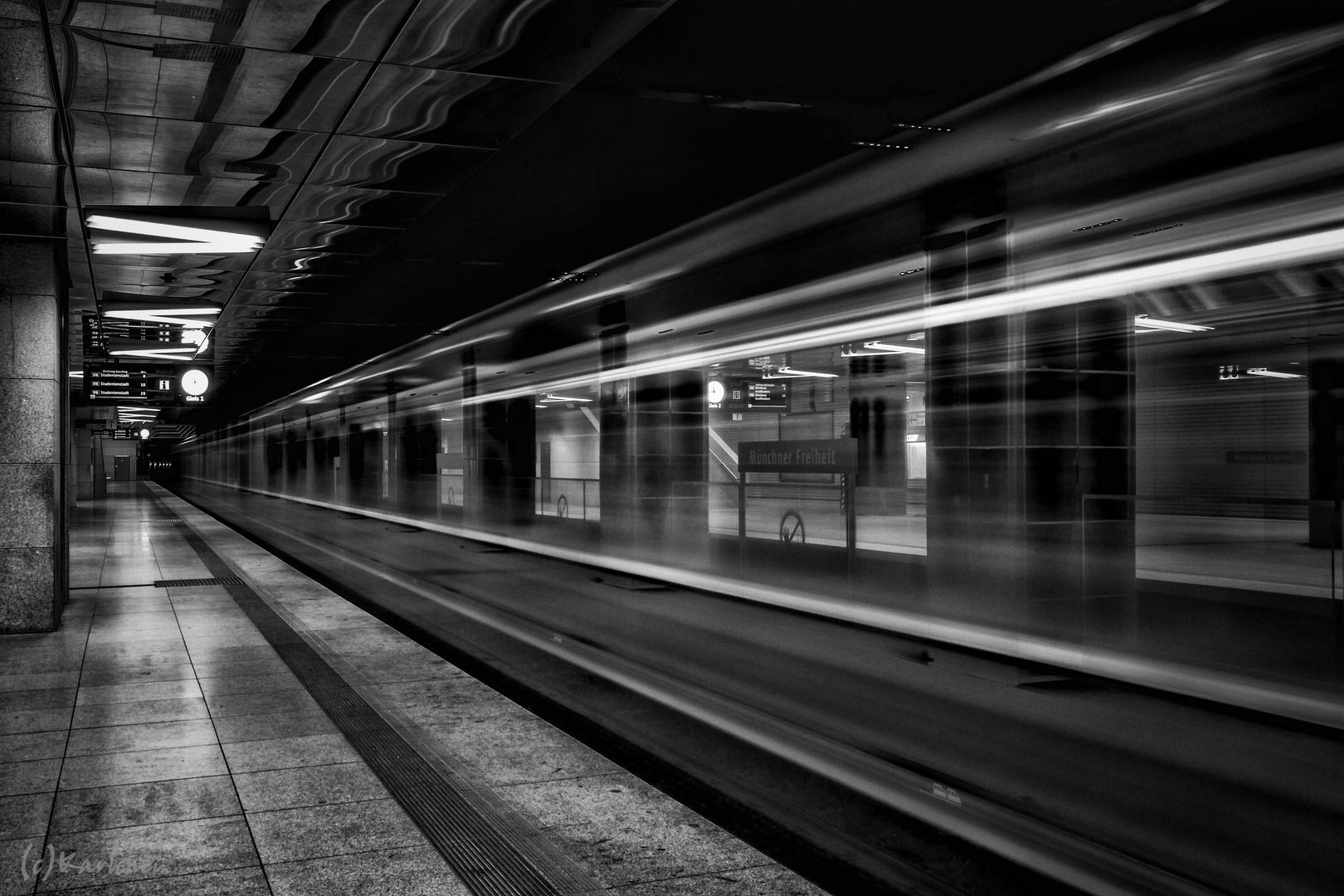-Geisterzug auf Gleis 1-