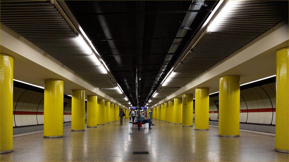 gelbe Säulen