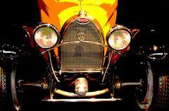 Gelber Bugatti
