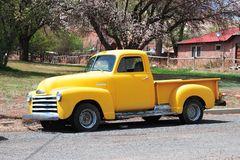 gelber Lastesel - Chevy Pickup