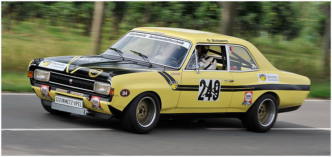Gelber Opel - Blitz