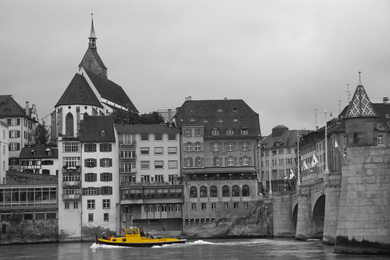 gelbes schiff
