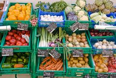 Gemüseauslage in Calvi