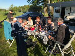 Gemütlicher Abend mit Grillen am fc-Camp