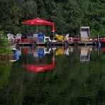 gemütlicher Platz am See