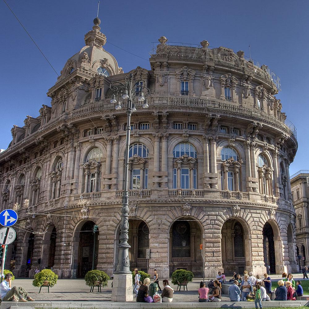 Genova, di fronte a Piazza de Ferrari