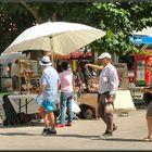 Gente al mercatino...when it was summer!