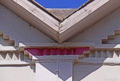 Geometrie an zwei aneinanderstoßenden  Fachwerkhäusern