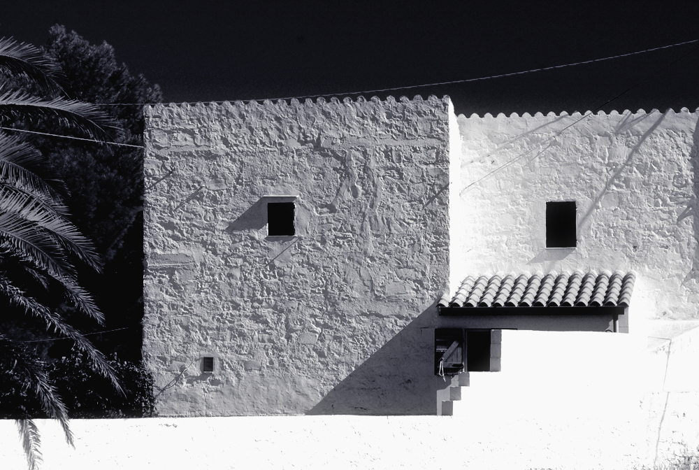 """Geometrie in bianco e nero"" di Carlo Atzori"
