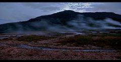 geothermalgebiet am abend