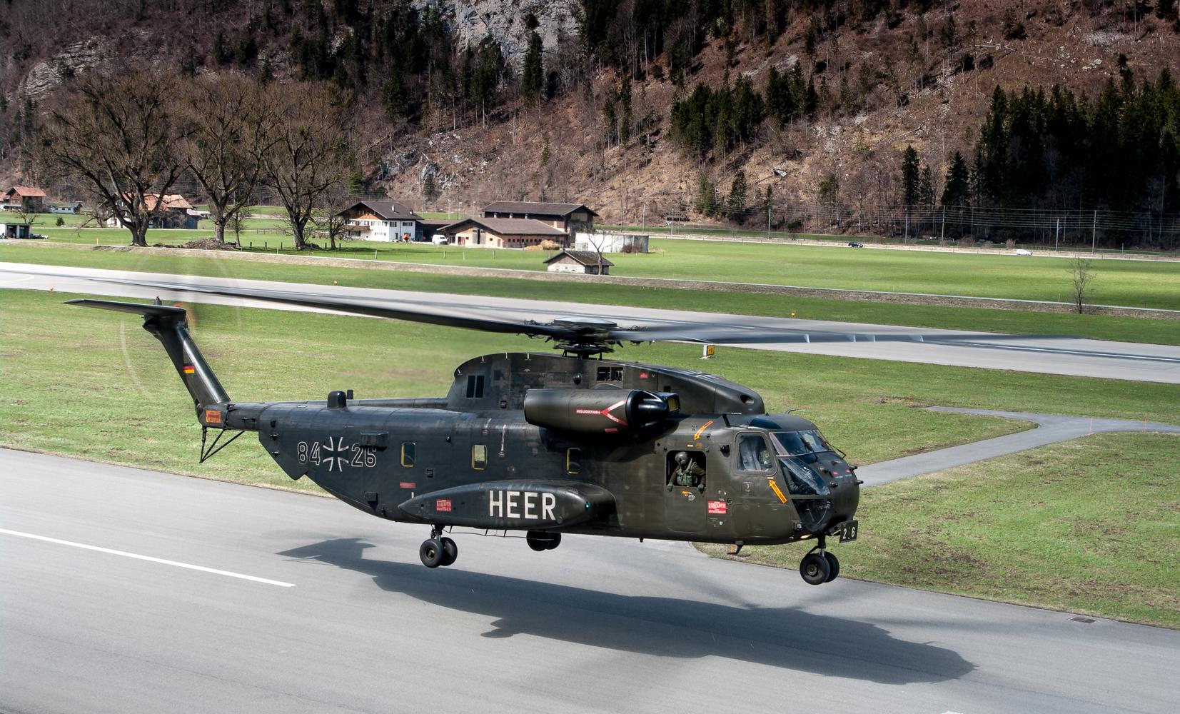 German Air Force CH53 in Meiringen Landeanflug