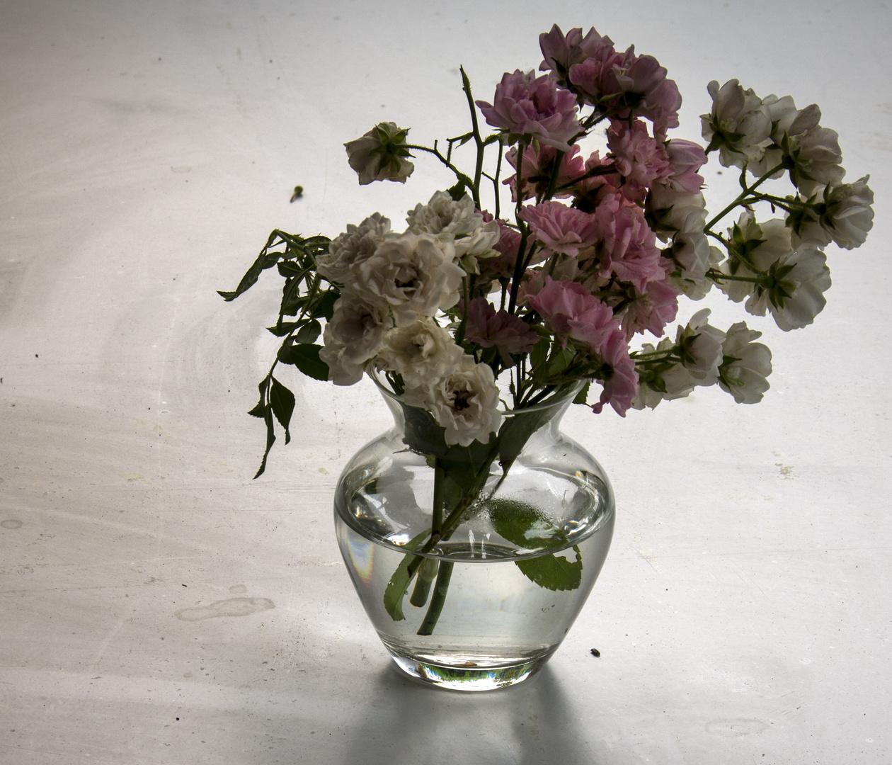 Gerro amb roses petites