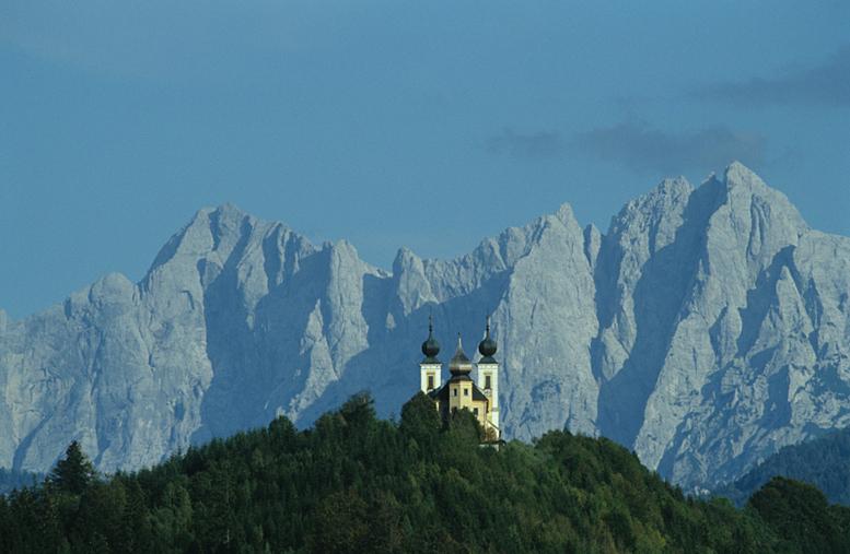 Gesäuse und die Kirche von Frauenberg