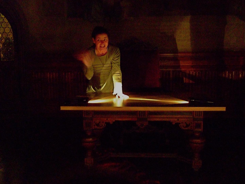 °°° Geschichten im dunklen Burgkeller - oh ! Da schwirrten die Schlossgespenster °°°