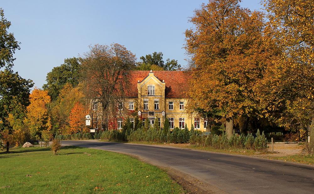Gesehen in Neu Gaarz: Jagdschloss II