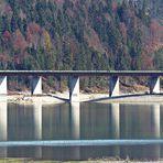 Gespiegelte Brücke