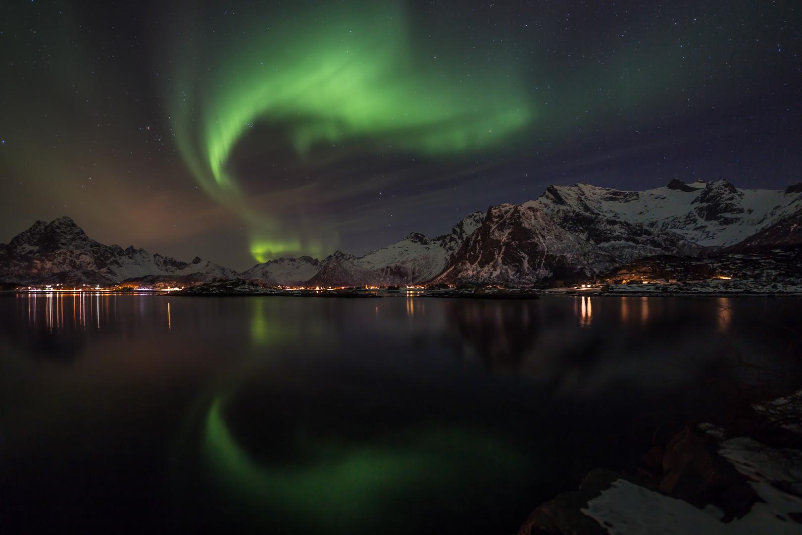 Gespiegelte Polarlichter